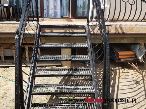 Metalowe schody R-116