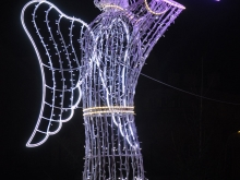 Metalowy anioł ze światłami - ozdoba Świąteczna